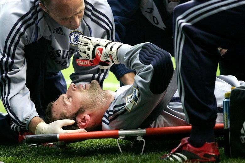 Fez ontem 9 anos que a vida de Petr Cech mudou…