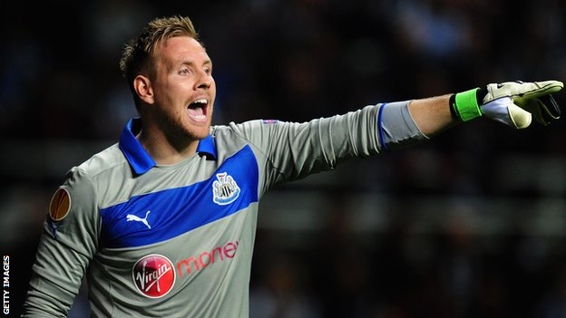 Rob Elliot vai segurando o Newcastle!