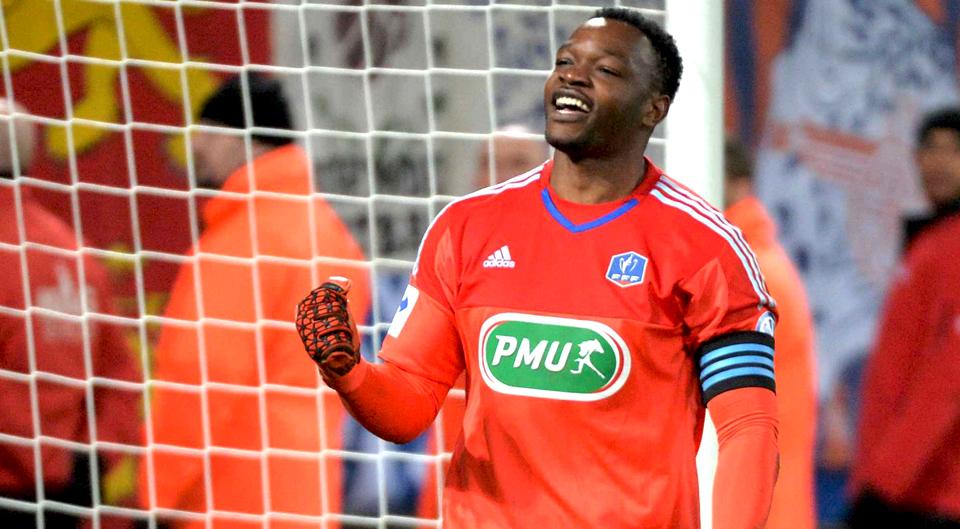 Mandanda foi o melhor da Ligue 1