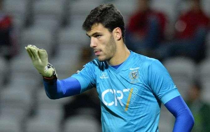 André Moreira já tem novo clube, após longa lesão.