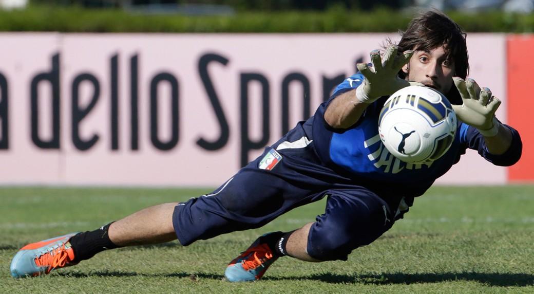 Duas jovens promessas juntam-se a Buffon em Itália