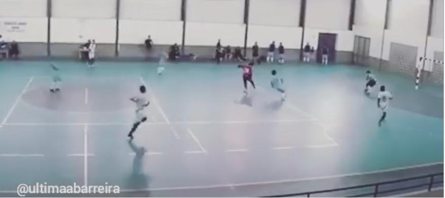 Uma obra de arte de um guardião de Futsal em Leiria (video)
