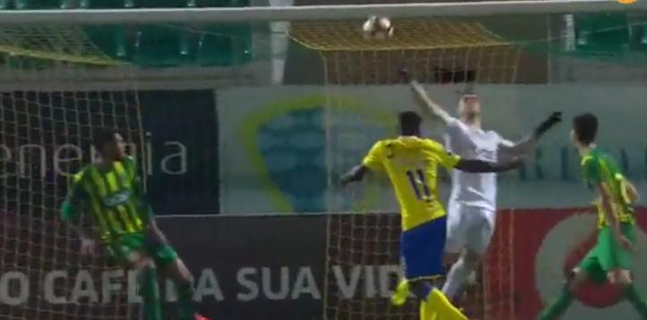 Claudio Ramos fez a defesa da semana… e talvez do ano! (video)