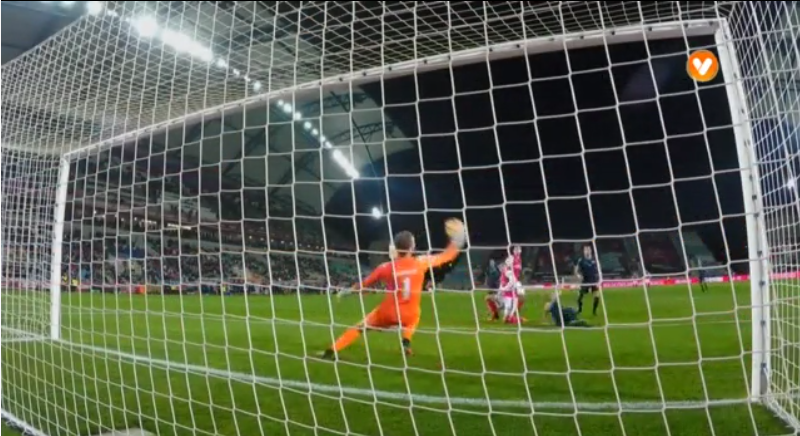 Uma defesa que valeu a Taça da Liga. Grande, Makaridze (video)