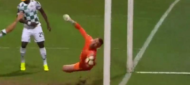A defesa incrível de Makaridze vs Porto! (video)