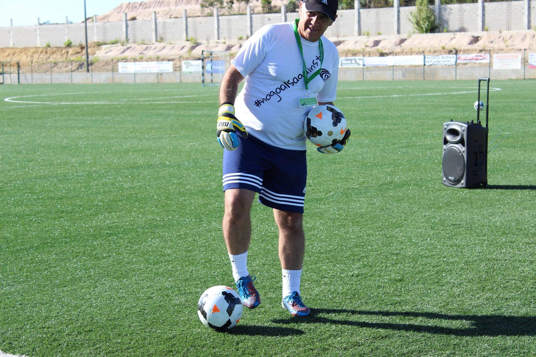 Vitor Salgueiro volta ao treino de guarda-redes!