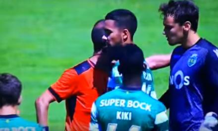 As palavras duras de um árbitro ao jovem guardião Stojkovic. (video)