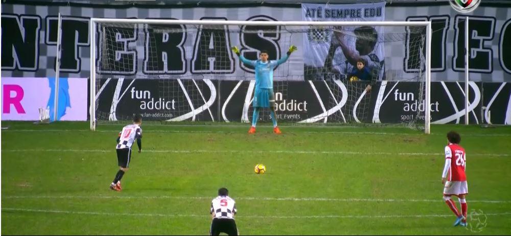 Errar e compensar: Matheus defende penalti no Bessa (video)