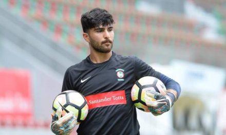 A estreia de Amir Abedzadeh na primeira liga… contou com uma defesa brutal! (video)