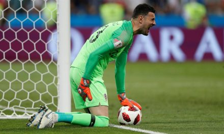Acabar o jogo lesionado e ser o herói croata… Subasic a salvar rumo às meias-finais! (video)