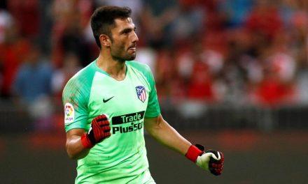 """""""Rei"""" Adán! 3 penaltis defendidos e um golo num desempate por grandes penalidades (video)"""