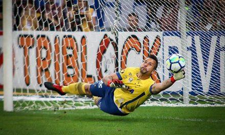 Fábio: 3 penaltis defendidos, 100% eficácia, para ser o herói do Cruzeiro na Taça Brasil (video)