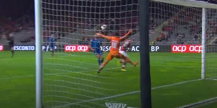 Tiago Sá no 1×1 e Jhonatan até com a cabeça! Que espectáculo no SC Braga-Moreirense (VIDEO)