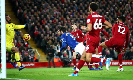 A incrível defesa de Alisson no derby de Merseyside! (VIDEO)