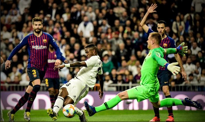 """Oh my Ter-Stegen… the best in the world?"" | El Clasico teve a classe do guardião alemão a imperar além da eficácia ofensiva do Barça! (VIDEO)"
