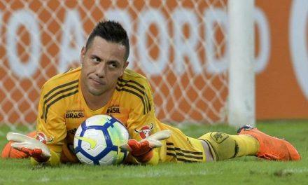 """O Flamengo goleou e foi Diego Alves a """"virar o jogo"""" com (e não só) dois penaltis defendidos! (VIDEO)"""