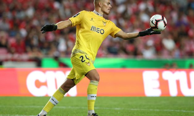 As 14 defesas de Quentin Beunardeau no Estádio da Luz, numa derrota ao cair do pano! (VIDEO)