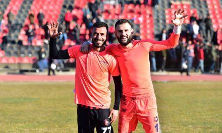 O insólito na Turquia: GR defende dois penaltis, são anulados, e é expulso… entra o defesa e defende também… desta vez legal! (VIDEO)