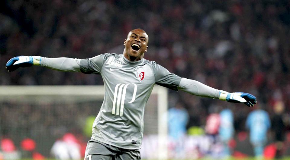 Lille estende contrato de Enyeama