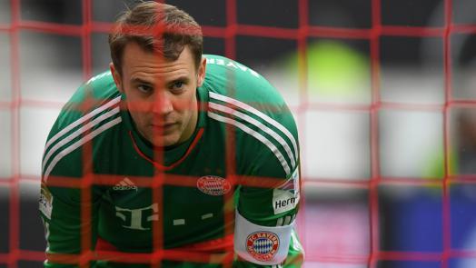 Neuer destaca-se novamente com os pés