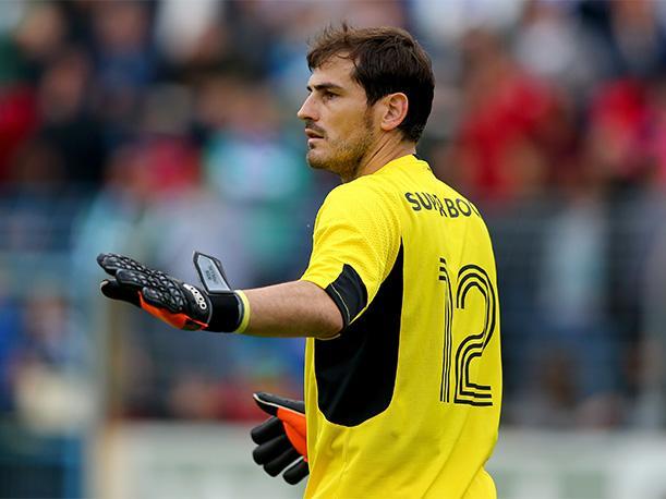 Um tiro incrível e uma defesa ainda melhor de Casillas (video)
