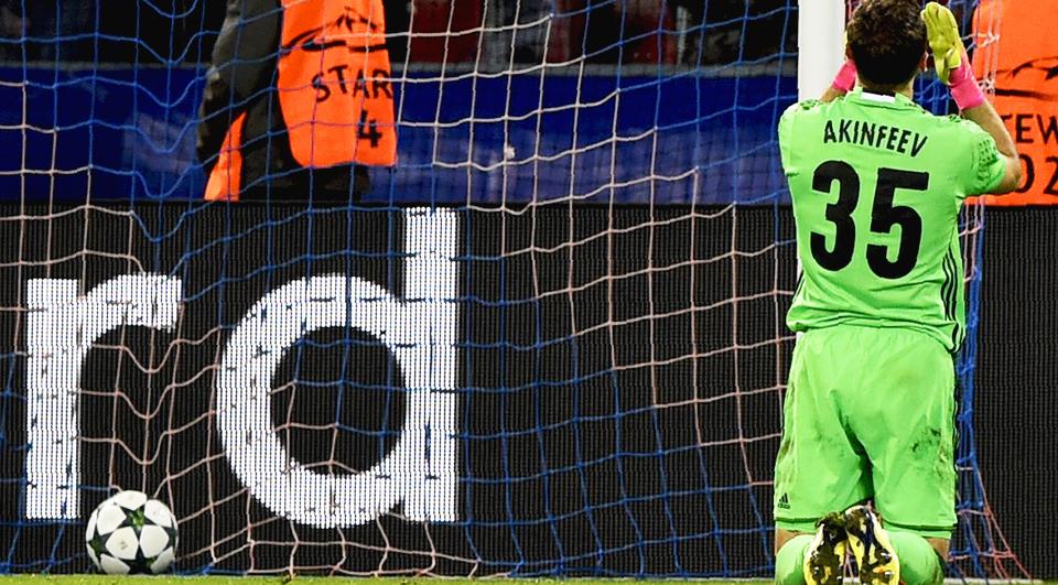 Akinfeev sofre golos em todos os jogos da Champions desde 2006