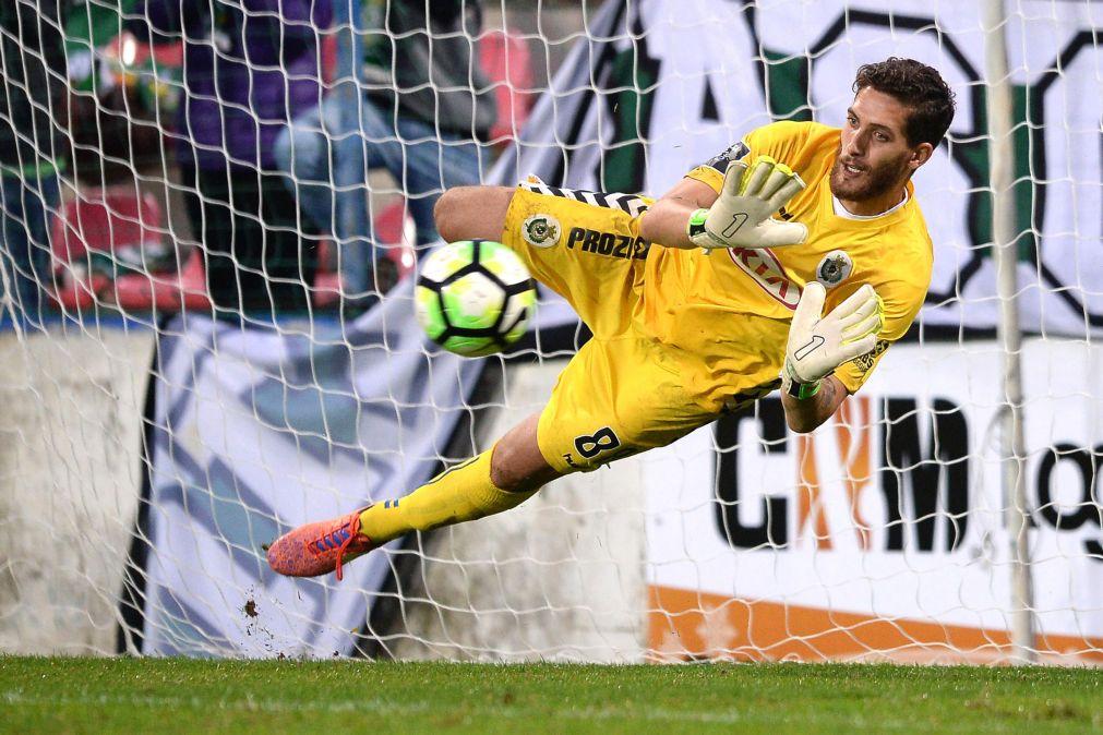 O que Trigueira acaba de defender contra o Sporting… Inacreditável! (video)