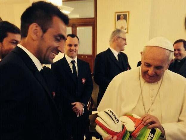 """Costumo pensar muito no guarda-redes"" – Papa Francisco"