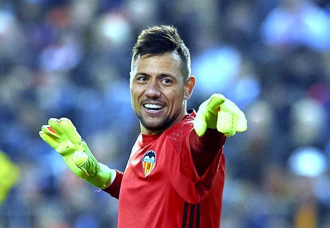 Diego Alves regressa ao Brasil após 10 anos!