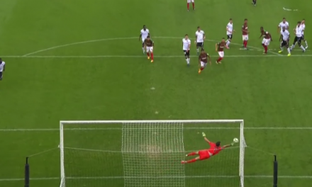 Em jogo de loucos, Douglas garante vitória no último minuto! (video)