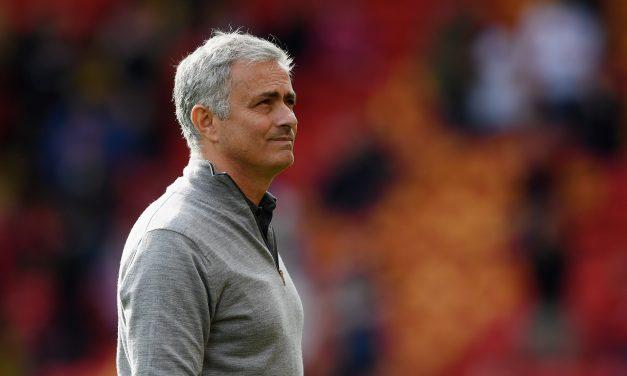Svilar foi defendido… por Mourinho. Tem razão?