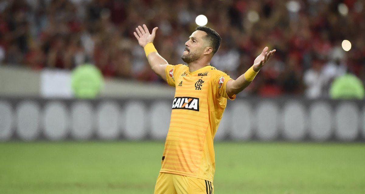 """Terminou a carreira de Júlio César e, no Brasil, o povo aplaudiu o """"Imperador""""!"""