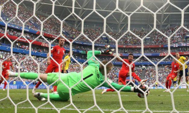 Pickford-Show para enviar a Inglaterra para as meias-finais do Mundial'18! 🏴 (video)