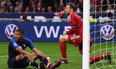 Uma postura inicial mais defensiva de Neuer, mas a mesma qualidade no 1×1 aos pés de Mbappé (Análise)