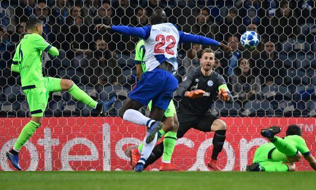 Ralf Fahrmann, o melhor elemento do Schalke 04, brilhou no Dragão. E que defesas! (VIDEO)
