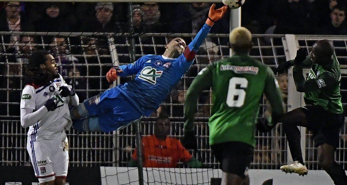 Anthony Lopes, entre voos e triplas defesas na Taça de França! (VIDEO)