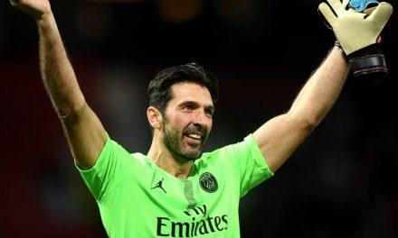 """O """"velhinho"""" Buffon continua a brilhar… agora em Paris! (VIDEO)"""
