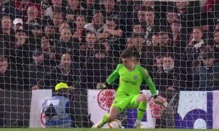 O incrível penalti defendido por Kepa… a caminho da final europeia (VIDEO)