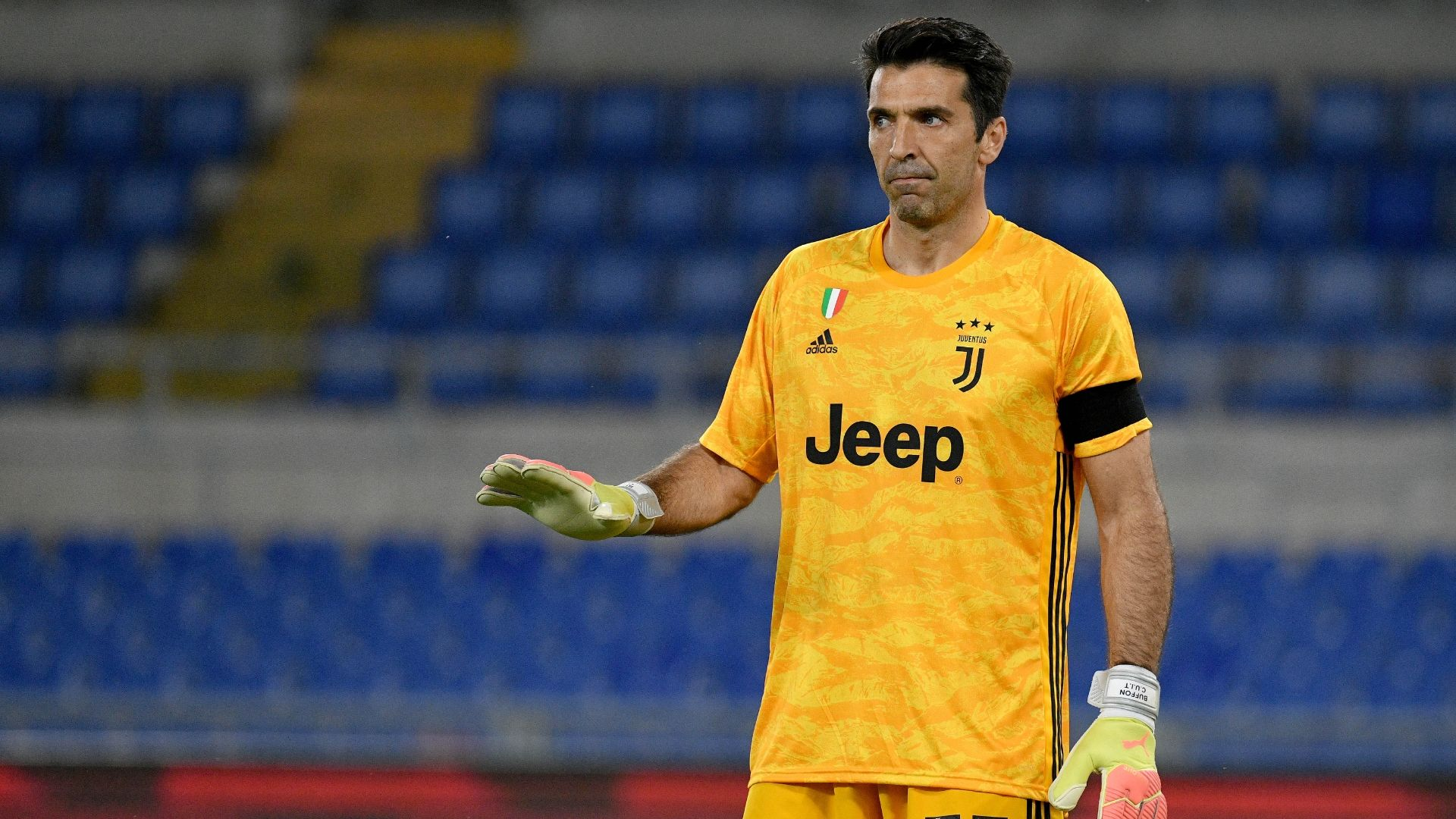 Aos 42 anos de idade… Gianluigi Buffon ainda faz exibições incríveis. Mais um recital, agora na final perdida da Taça de Itália (VIDEO)
