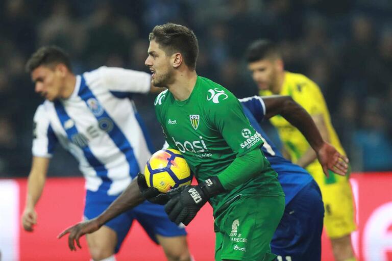 Cláudio Ramos no FC Porto: os planos da baliza campeã nacional a partir de 2020-21