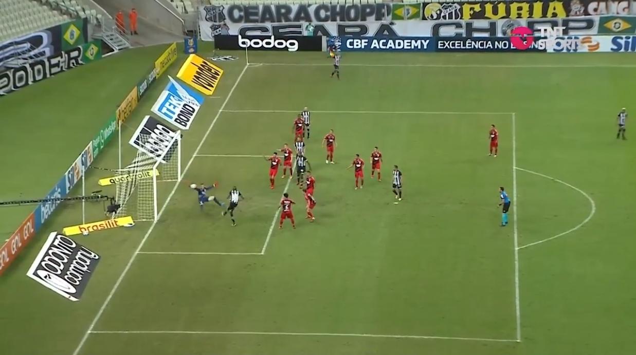 A incrível defesa de Bento Krepski quando todos entoavam golo! A fazer lembrar Schmeichel… (VIDEO)